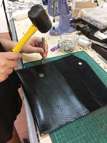 дизайн-студии изделий из кожи Romanton